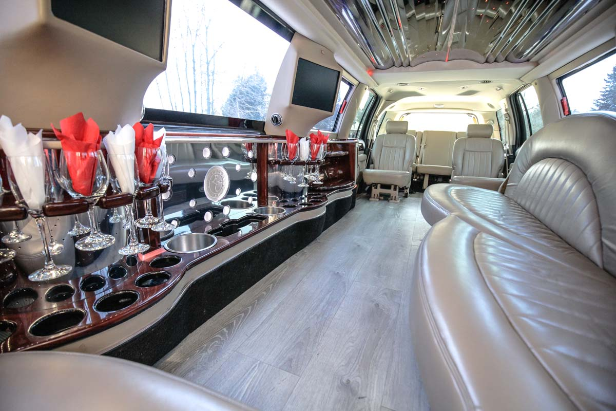 An image showing the interior of the White Stretch SUV Lincoln Navigator